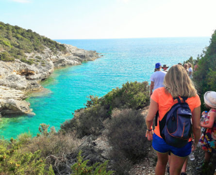 ANTIPAXOS-WALKING